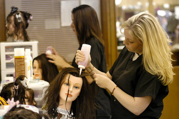 scholarship essay for cosmetology Our cosmetology scholarships list makes finding cosmetology scholarships easy also find information on cosmetology grants, loans and cosmetology school tuition, the.